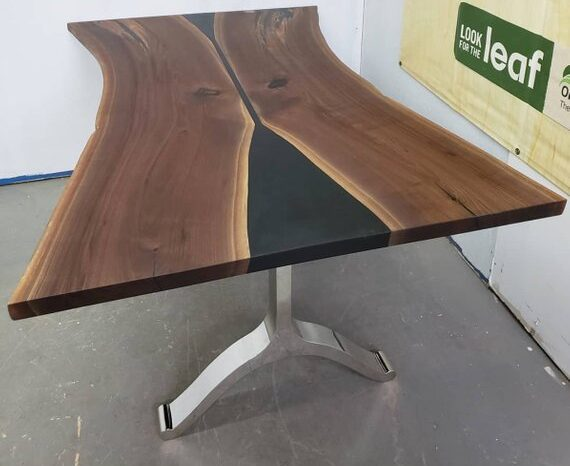 Live Edge Wood Kitchen Tables